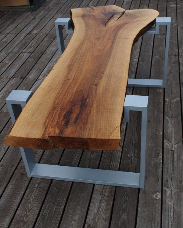 Stol z plastra litego drewna - orzech naturalny blat olejowany na ramach aluminiowych