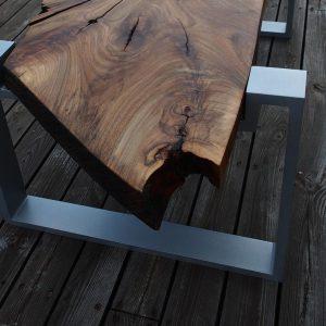 ekskluzywny elegancki stol premium z nogami z aluminium blat orzech wloski