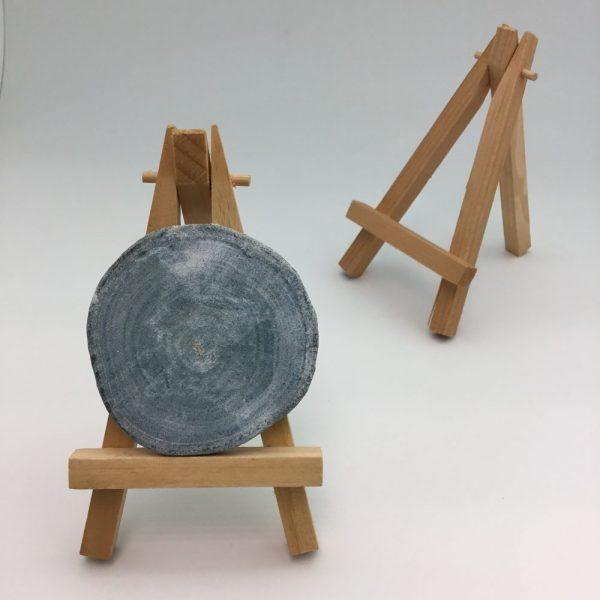 mini sztaluga drewniana stojak na wizytówki