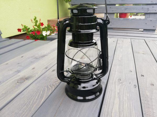 https://artdecha.pl/wp-content/uploads/2019/08/ozdoba-na-ogródlampa-naftowaczarna-lampa.jpg