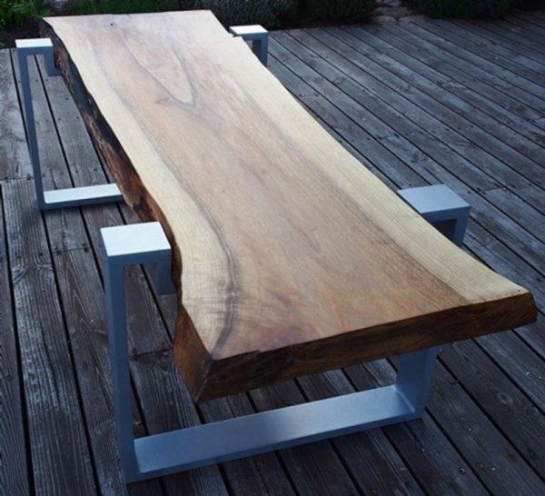 stol lawa z orzecha na aluminiowych nogach z blatem z grubego litego drewna