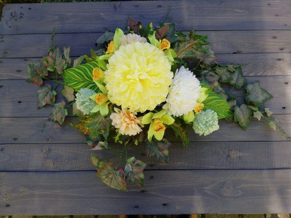 https://artdecha.pl/wp-content/uploads/2019/10/kompozycja-na-grób-sztuczne-kwiaty-dzień-zmarłych-wszystkich-świętych.jpg