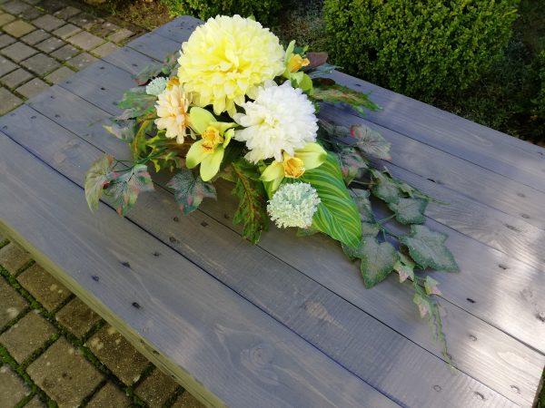https://artdecha.pl/wp-content/uploads/2019/10/piękne-sztuczne-kwiaty-na-cmentarz-grób-ozdoba-kompozycja-rękodzieło.jpg