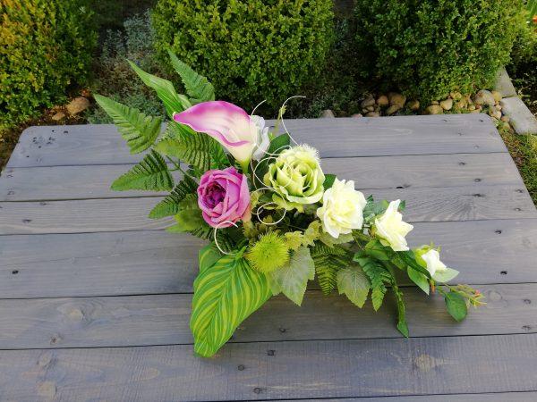 https://artdecha.pl/wp-content/uploads/2019/10/piękny-stroik-kompozycja-na-grób-sztuczne-kwiaty-róże-sztuczne-liście.jpg